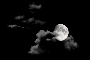 moon-in-night-sky-background_M12NT3w_ (Resized)